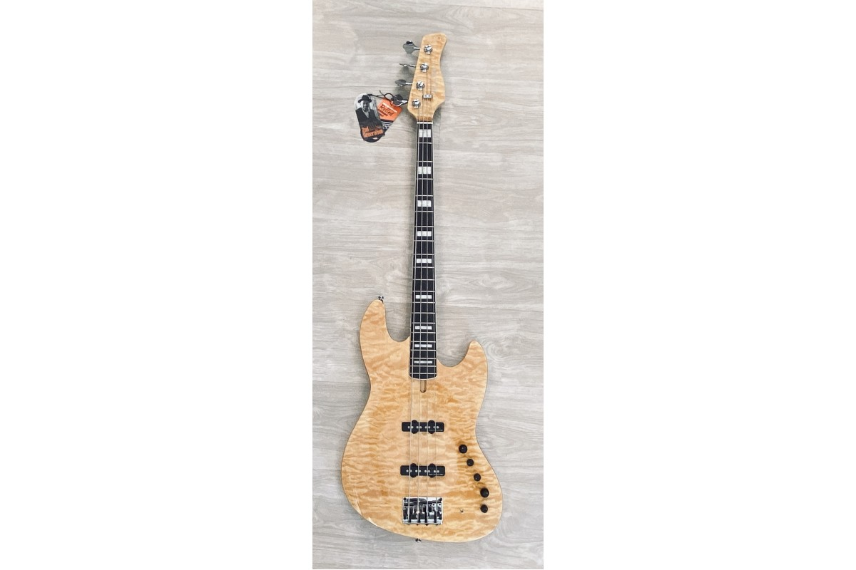 SIRE MARCUS MILLER V9 (2ND GENERATION) SWAMP ASH 4 CORDE 2ND GENERATION NATURAL