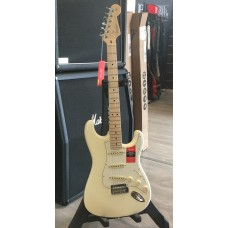 FENDER STRATOCASTER AMERICAN PROFESSIONAL OLYMPIC WHITE MN
